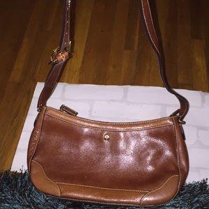 Vintage Etienne Aigner purse crossbody!